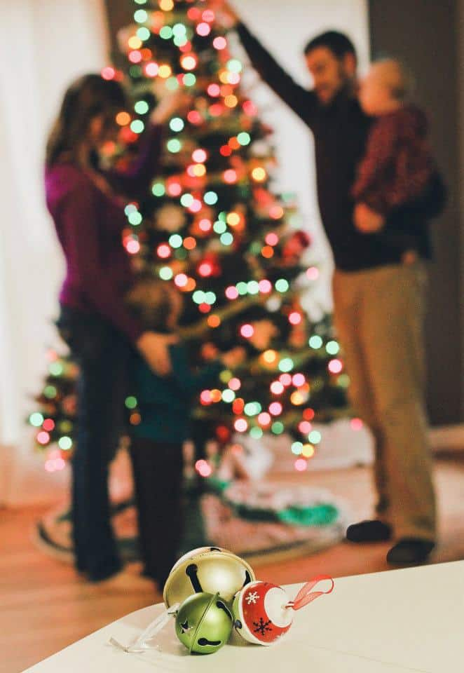 Play with aperture to reduce need for perfect pose   Holiday Card Tip from Jill Krause