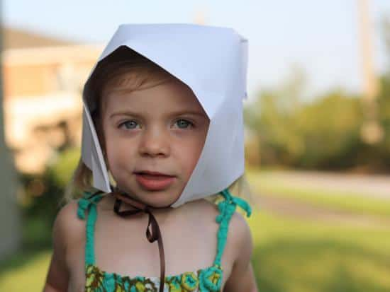 Simple Paper Pilgrim Bonnet by Jen Hansard of Family Sponge