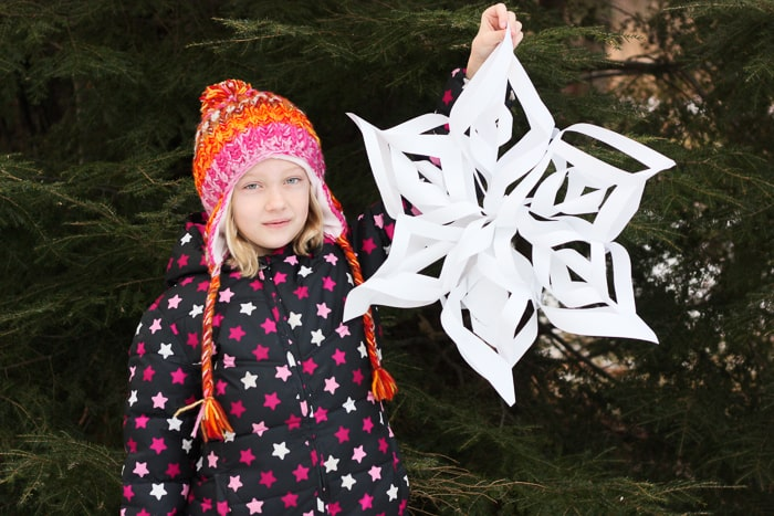 Super-Simple Gigantic 3D Snowflakes Tutorial *So cool