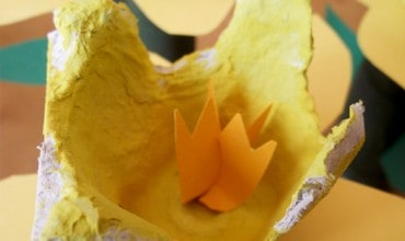 Spring Book List + Kids Craft: Egg Carton Daffodils