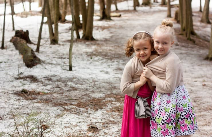 How to Take Holiday Card Photos: 7 Tips for Moms Behind the Camera