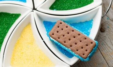 Super Bowl Dessert: Team Spirit Ice-Cream Sandwiches