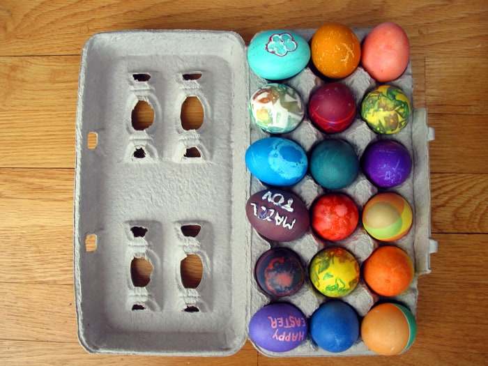 30 Creative Ways to Decorate Easter Eggs *I've always wanted to try #4
