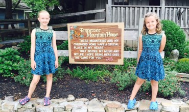 7 Things You Must-Do (or EAT) at Dollywood — Sevierville, Tennessee