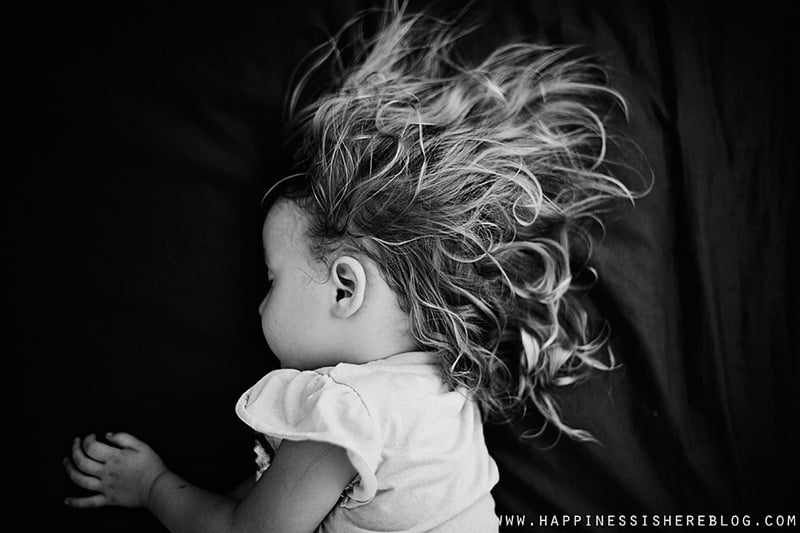 Capturing The Esscense of Childhood: 9 Stunning Photos + 1 Simple Family Photography Tip *These photos are gorgeous