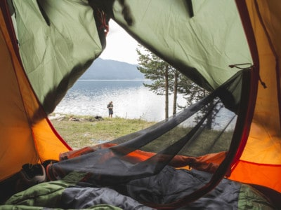 Camping isn't really a vacation, but it makes for good memories. Being unprepared can make camping challenging. Ensure your next trip is awesome. This list of family camping tips is a must-read for parents planning an outdoor vacation. *So simple and brilliant. Saving this for our summer trip.
