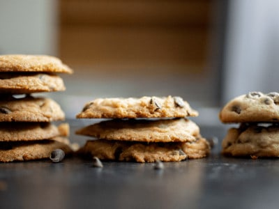 Cookie Science: How to Make Perfect Chocolate Chip Cookies - There are many variables involved in making the perfect cookie, but certain ingredients and reactions that occur in the oven make all the difference. Learn how to make THE BEST chocolate chip cookie EVER (thin and crisp, thick and cakey, chewy delicious) #cookie #cookierecipe #recipe #chocolatechipcookies #kidsscience *Loving this educational post and this collection of cookie recipes