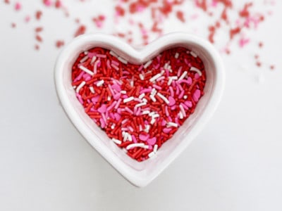 Absolutely simple Valentine gifts for teens #valentines #parenting #modernparenting #teens Great list of EASY gift ideas for your teen or tween to say you care!